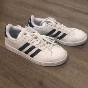 NWT Adidas Grand Court Sneakers